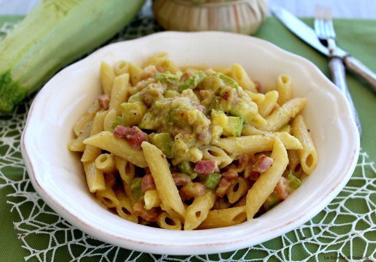 Pasta con pesto di zucchine e pancetta - Anche Bimby