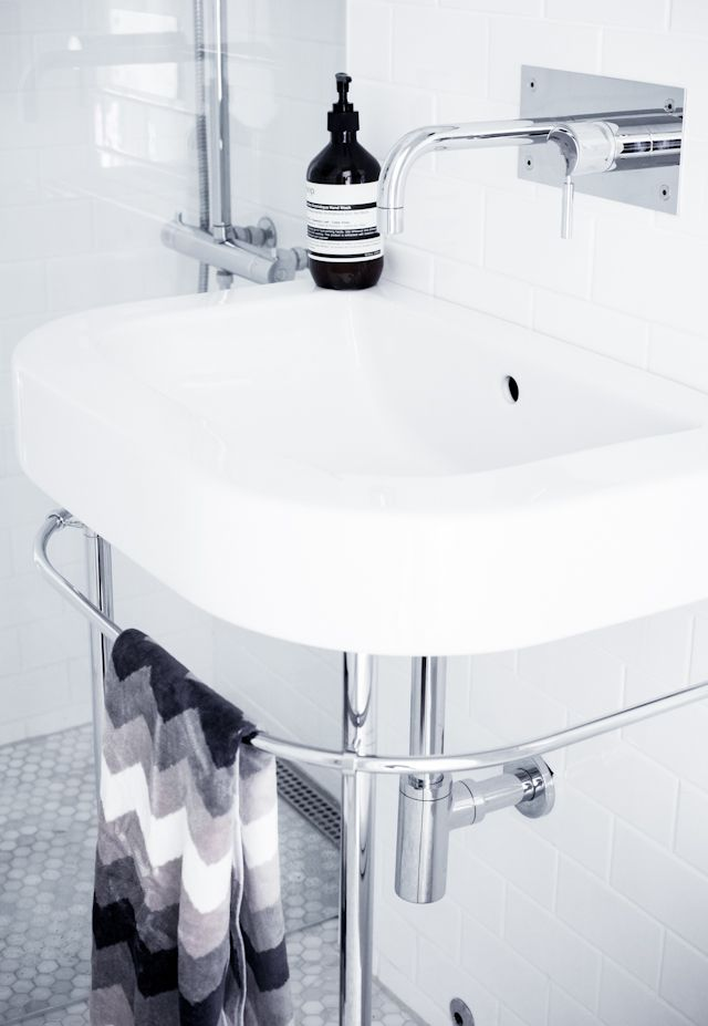 merja this is my bathroom sink happy d by duravit i. Black Bedroom Furniture Sets. Home Design Ideas