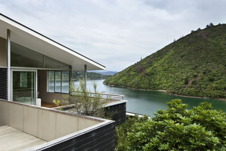 Apple Bay House / Parsonson Architects, New Zealand