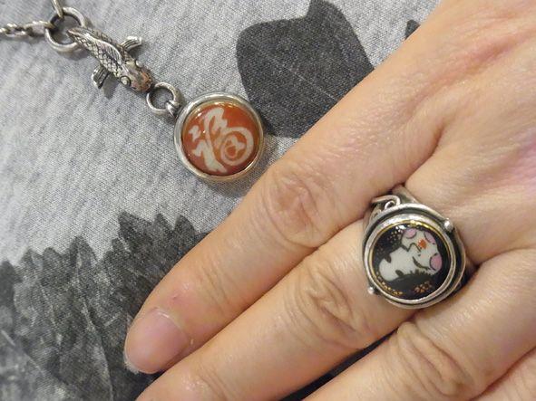 薩摩ボタン ネックレスとリング シルバー細工も見ものです。