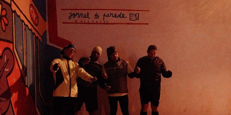 Volta nocturna ligeira com o Pedro, o Paulo, o Gonçalo e o Joel, com paragem para ler o jornal de parede.