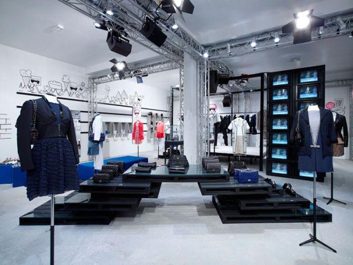 colette chanel pop up shop paris store design louis vuitton pop up store pinterest. Black Bedroom Furniture Sets. Home Design Ideas