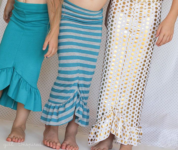 THis is a full picture tutorial on how to make these mermaid skirts for little girls. However, it would be very simple to make this for an adult. 30-minute Mermaid Skirt Tutorial