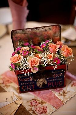 Roses, Baby's breath in cute tin