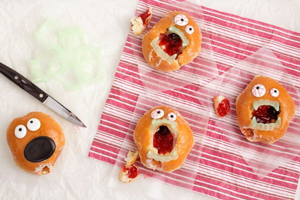 LOVE THIS!!! Zombie Donuts for Valentine's Day www.thebearfootbaker.com