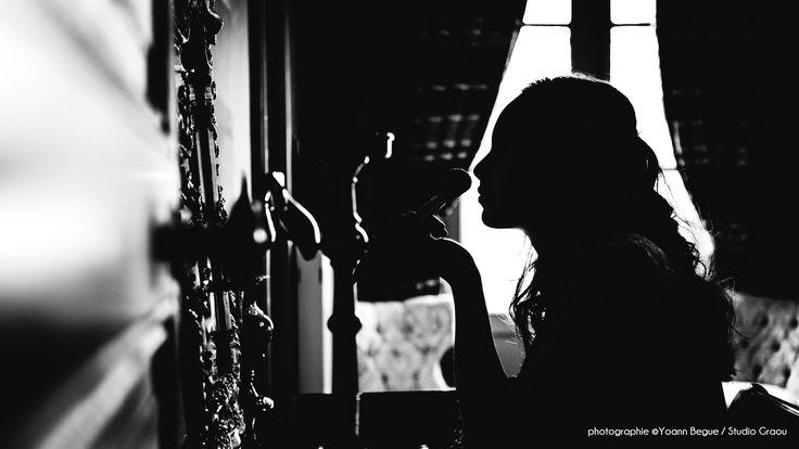 Inspiration Famille adams réalisée par Ludivine - Sandra - Caroline - Manon étudiantes à l'école de Wedding Planner d'Aix en Provence Jaelys - Modèles: Ambre De Gouveia, Anthony Blard, Tim Bacave Noeuds papillon: Abraclarabroc - Clara Lahousse - Location de décoration: La Fiancée des Fleurs Coiffure: Au Boudoir - Claire Yagues et Samantha Argento - Make-up: Ines Iborra - Robe de la Mariée: Labau Costume du Marié: Maestro Photographe:Studio Graou - Yoann Begue  Lieu: Château de Sainte Cécile