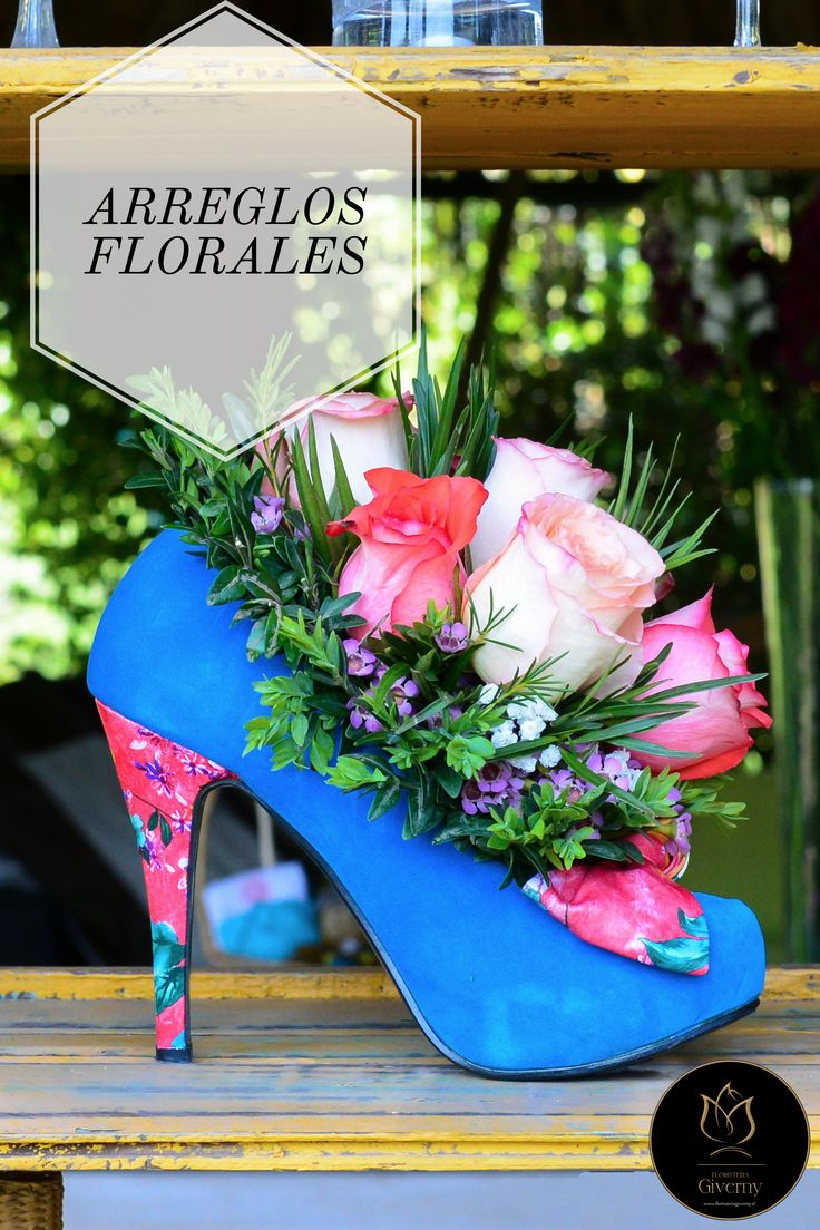 ¿Necesitas arreglos y bouquet para recepciones de oficinas, regalos especiales o corporativos?. Descubre todos nuestros servicios en www.floristeriagiverny.cl