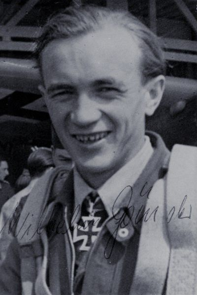 Oberfeldwebel Wilhelm Gänsler (1919-1985), Bordschütze in der Stabsstaffel IV./Nachtjagdgeschwader 1, Ritterkreuz 27.07.1944