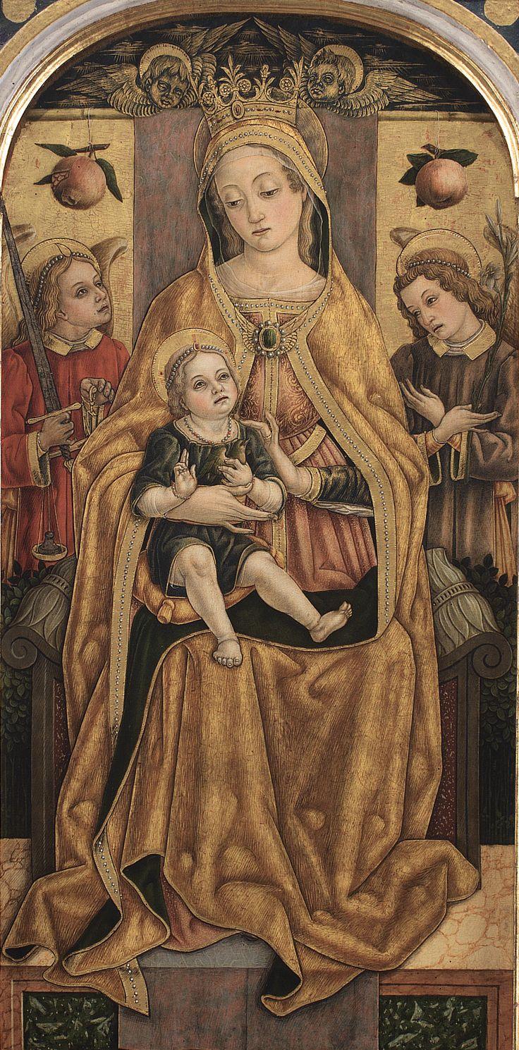 Vittore Crivelli - Madonna con Bambino in trono, dettaglio Trittico di Monte San Martino - 1490 - Chiesa di San Martino vescovo, Monte San Martino, in provincia di Macerata.