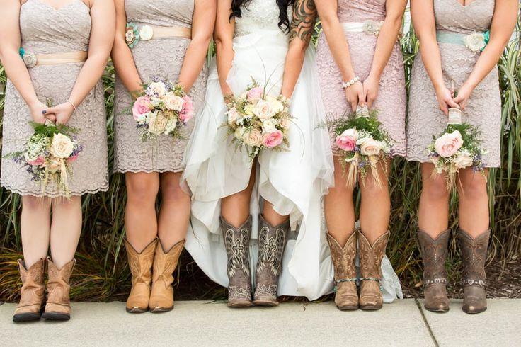 I like the tan and blush tones here.  And the boots work with a short dress.  And LACE <3