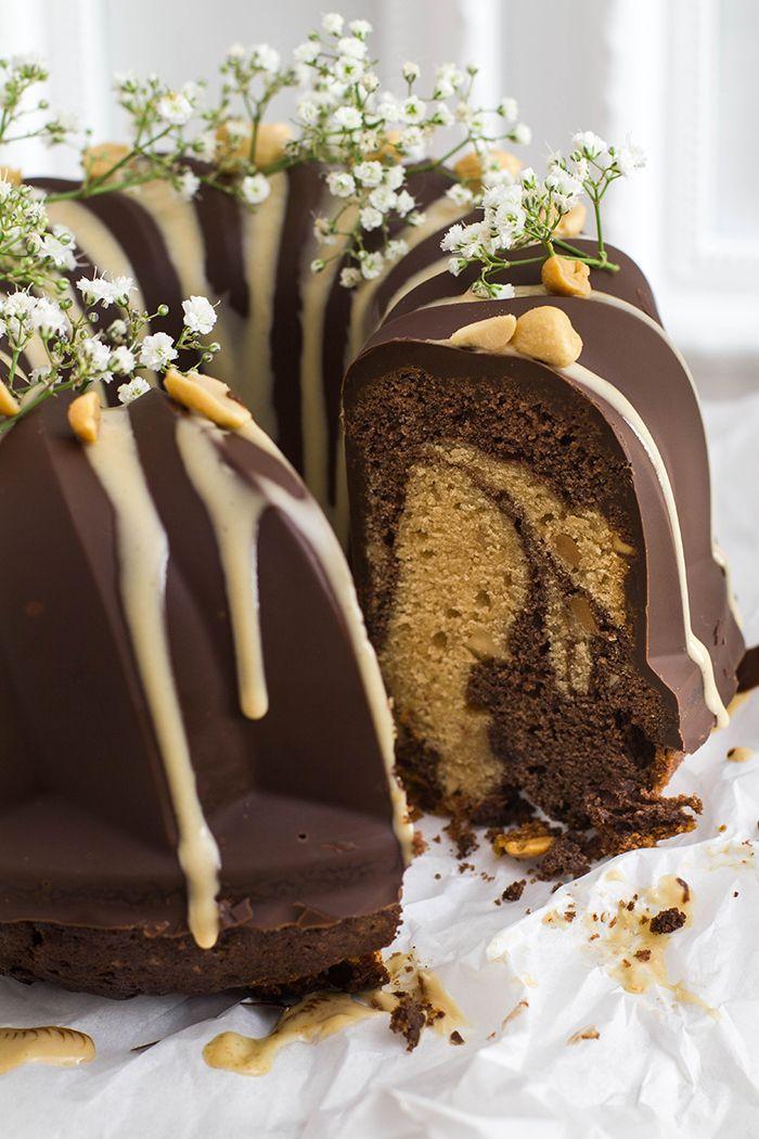 Schokoladen Erdnussbutter Gugelhupf