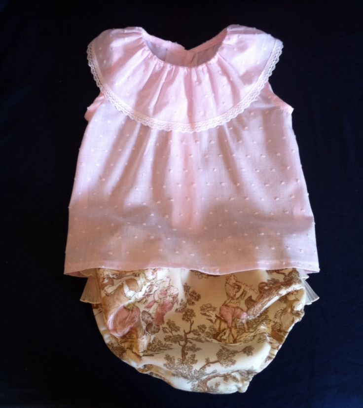 Precioso conjunto de braguita y blusa
