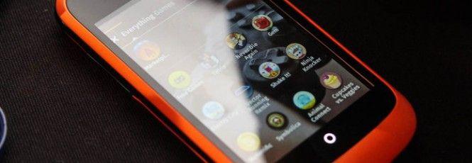 Durante a Campus Party 2014, o vice-presidente da Mozilla Mobile, Andreas Gal, revelou que o sistema de reconhecimento de voz do Firefox OS foi criado por um brasileiro. Sem revelar a identidade do responsável, ele afirmou que o desenvolvedor faz parte de um programa de voluntários espalhados pelo m