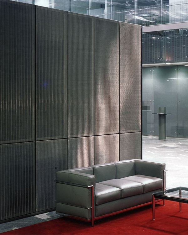 Versatility, stability and exclusive optical properties make Architectural Mesh the ideal material for designing interior walls.