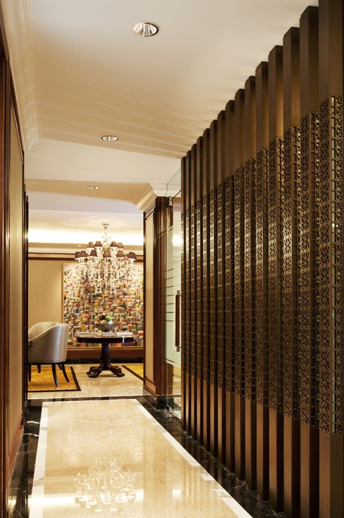 Executive office jakarta interior design by sammy for Office interior partition design