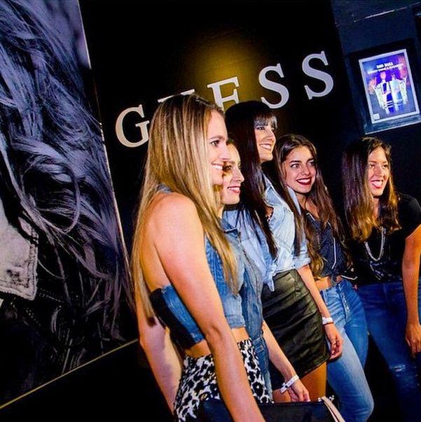 Вечеринки, организованные #Guess, проходят по всему миру. Среди приглашенных гостей: известные модели, дизайнеры и люди шоу-бизнеса.  #MyGuess #GuessGirl #GuessParty