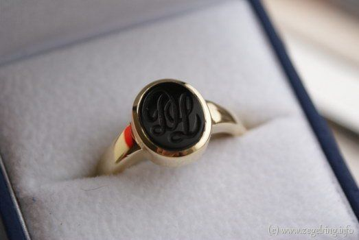 Signet ring (www.signetring.eu   www.zegelring.info) - Fraaie ring met eigen gravure (www.zegelring.info)