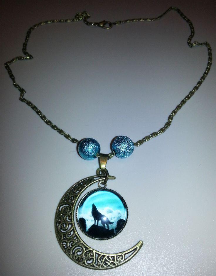 Kette 6 – Wolf/Mond – grün/türkis - Charming Creations