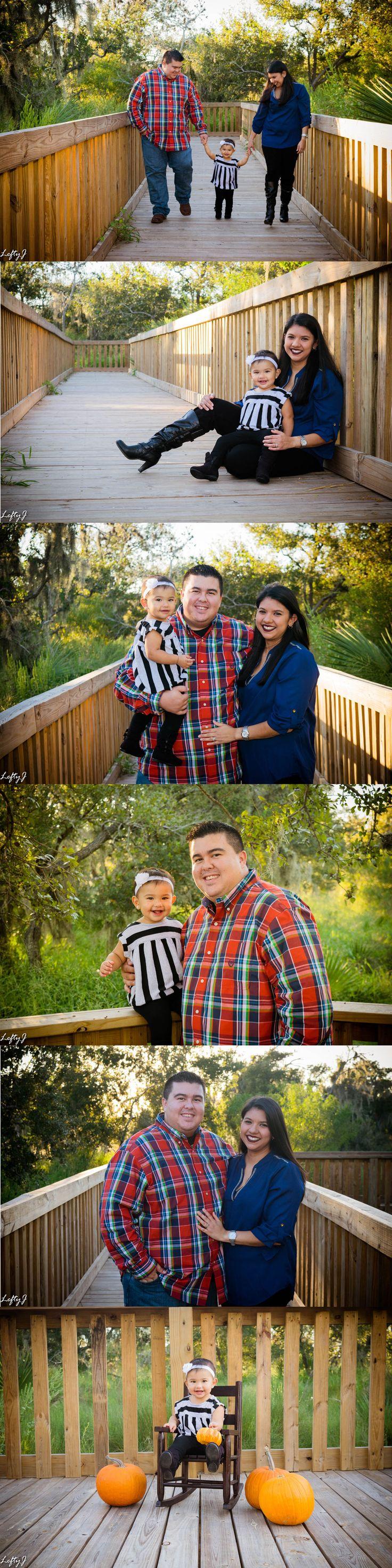 Fall family photos in Corpus Christi, TX. #corpuschristiphotography #corpuschristiphotographer #familyphotos #fallfamilyphotos #familyphotoshoot #fallfamilyphotoshoot