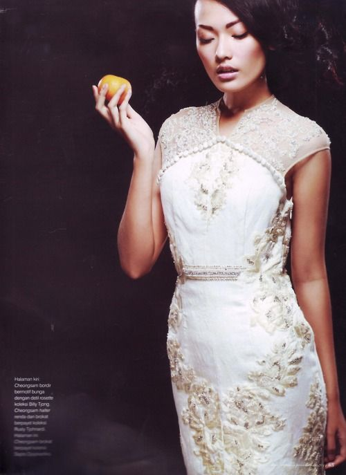 Dara Warganegara in Sapto Djojokartiko by Glenn Prasetya for Dewi Wedding Magazine 2011