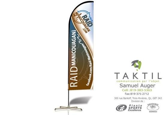 Drapeau publicitaire réalisé en collaboration avec Taktil