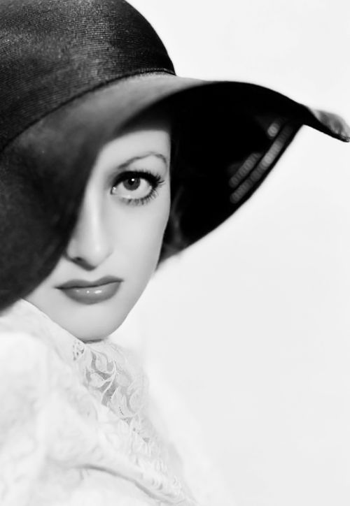 1932. Actress Joan Crawford. Photo by George Hurrell (B1904 – D1992)