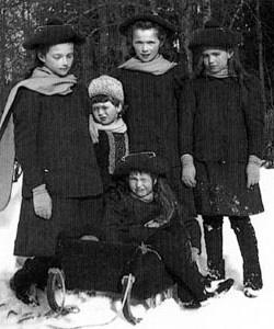 Olga,Tatiana, Maria, Anastasia and Alexei