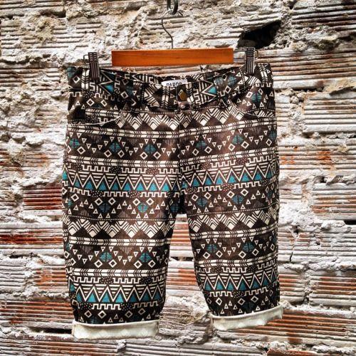 Lunes festivo + sol! Día perfecto para usar los mejores shorts! #belikepardo (at Pardo)