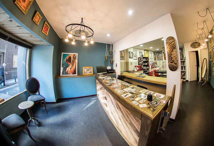 Blessed Tattoo. Proyecto de diseño de interiores realizado por nuestro estudio creativo. ¡Te invitamos a echarle un ojo a nuestro portfolio!