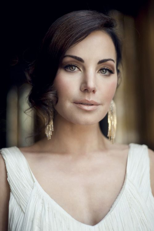 erica durance is gorgeous!