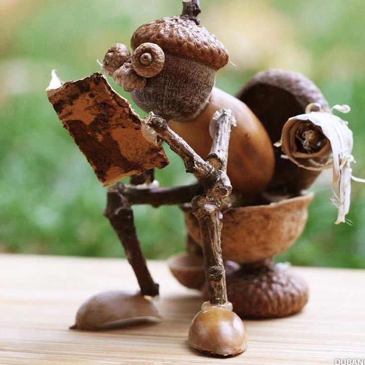 I love Arts and Crafts with natural materials... ~~ Houston Foodlovers Book Club