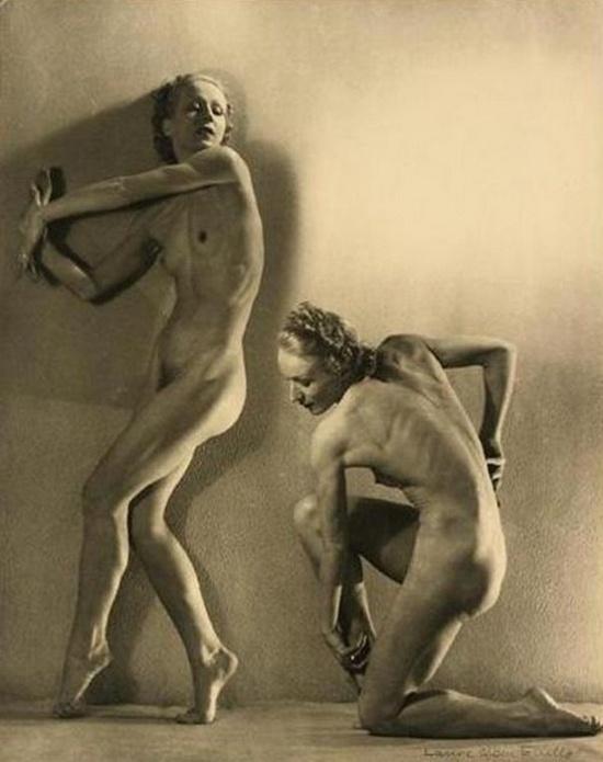 Laure Albin-Guillot- Etude de Nus, Deux Danseuses, 1935 | La Petite Mélancolie