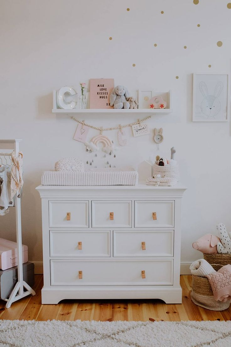 Table à langer Cocos Baby Room: Lit bébé Kidsmill: Oeuf Lampe: Westwing Clothes …   – BABY ROOMS