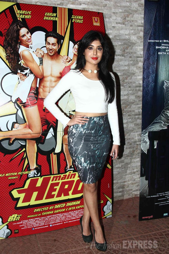 Kritika Kamra showed off her mid-riff in a whose cropped top and printed skirt at the 'Main Tera Hero' success bash. #Style #Bollywood #Fashion #Beauty