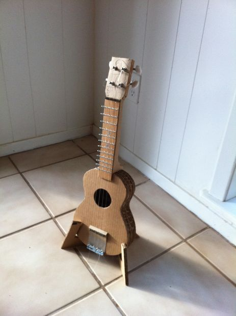Picture of Carboard Ukulele Stand