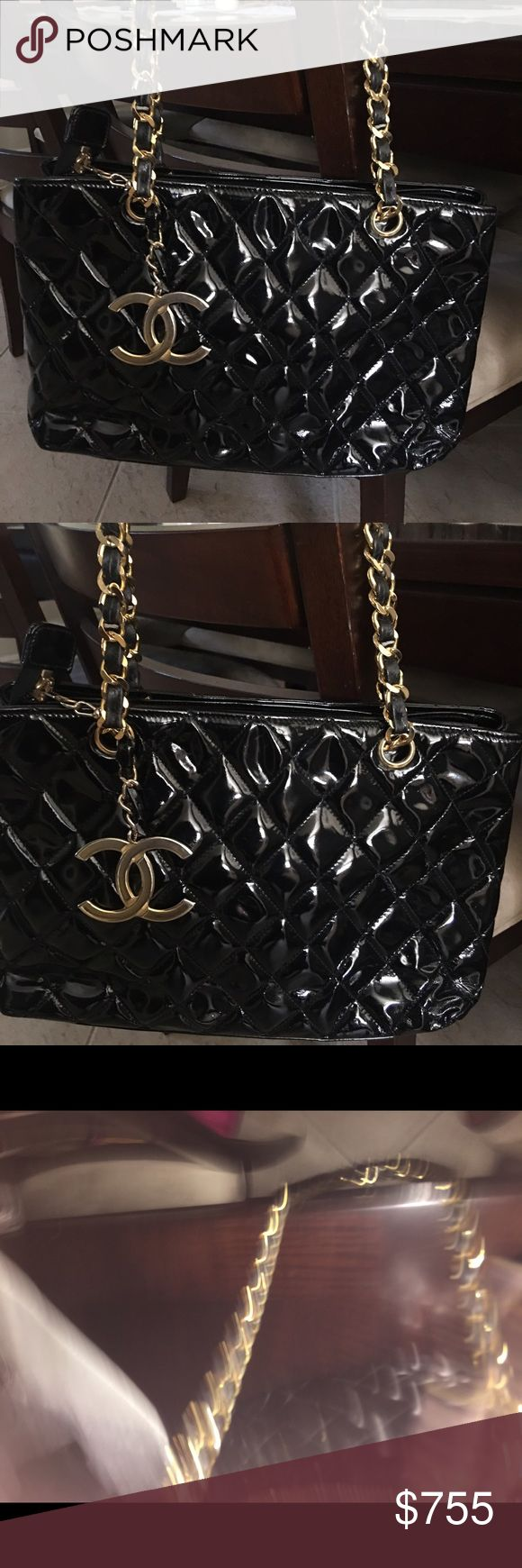 Authentic Chanel Shoulder Bag Chanel Black and gold leather chain shoulder bag. Very good condition and comes with dust bag. CHANEL Bags Shoulder Bags