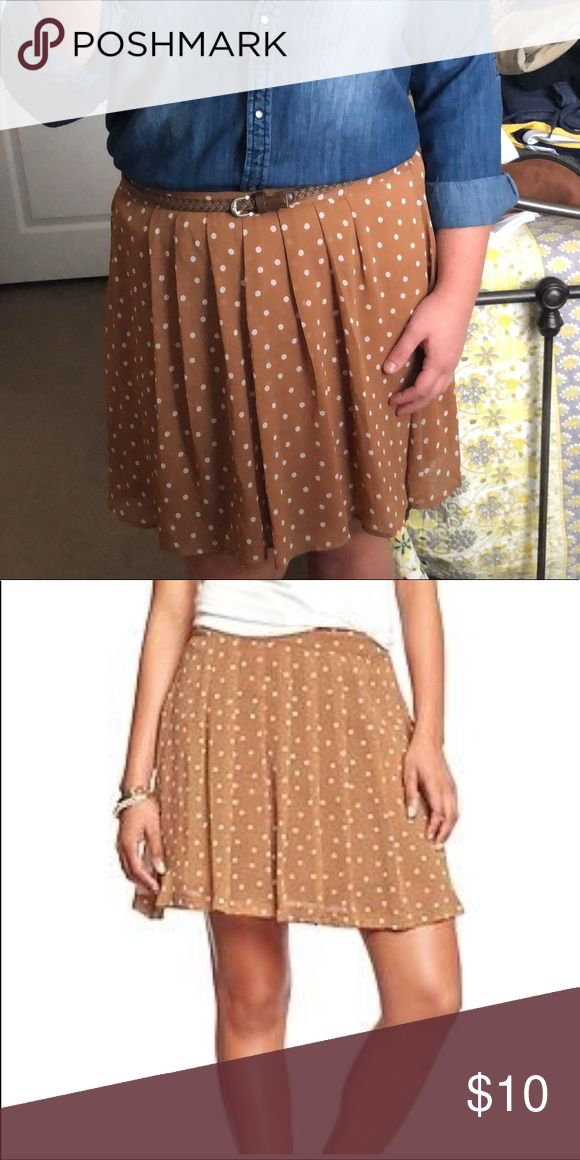 Polka dot pleated chiffon tan skirt silk Great condition. Super cute for fall. Lots of different ways to wear this skirt! Size medium Old Navy Skirts Mini