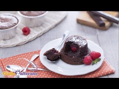 Ricetta Tortino al cioccolato con cuore di lampone - La Ricetta di GialloZafferano