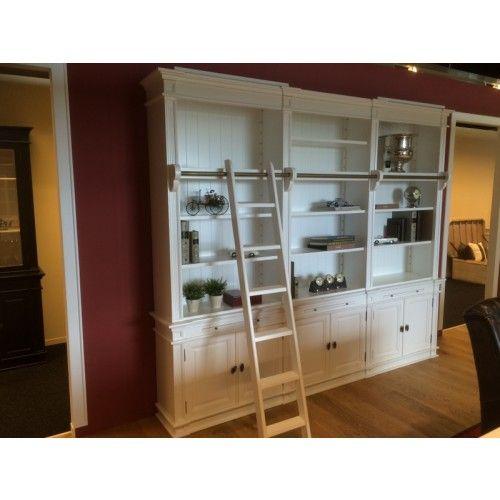 die 25 besten ideen zu vitrine wei landhaus auf pinterest vitrinenschrank wei vitrine wei. Black Bedroom Furniture Sets. Home Design Ideas