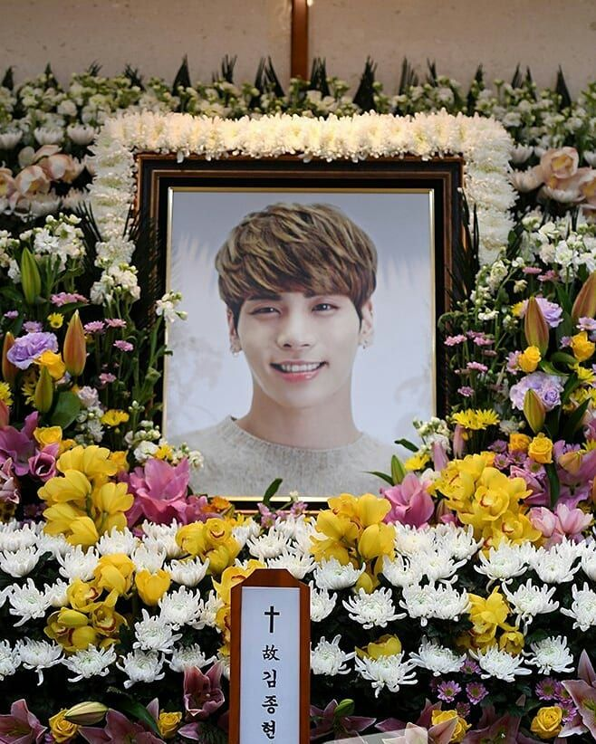 Rest in Peace, Kim Jonghyun❤️ 1990-04-08 2017-12-18   Heaven has revived a new angel, and he'll forever shine bright above us