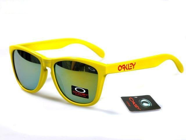 Oakley Frogskins Sunglasses polished yellow frames yellow-blue Iridium sale online, save up to 90% off on the lookout for limited offer, no taxes and free shipping.#oakley #oakleysunglasses #sportsunglasses #sunglasses #ok #o