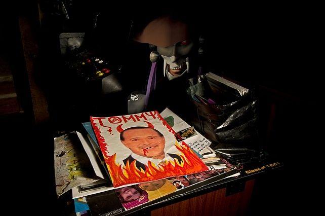 En 2003 el Rancho Neverland de Michael Jackson fue registrado por la policía después de las acusaciones por acoso de menores. Tres años después la propiedad fue embargada y un grupo de fotógrafos se coló en el reino abandonado.