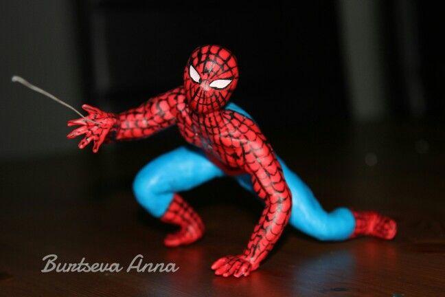 Человек паук на торт из мастики