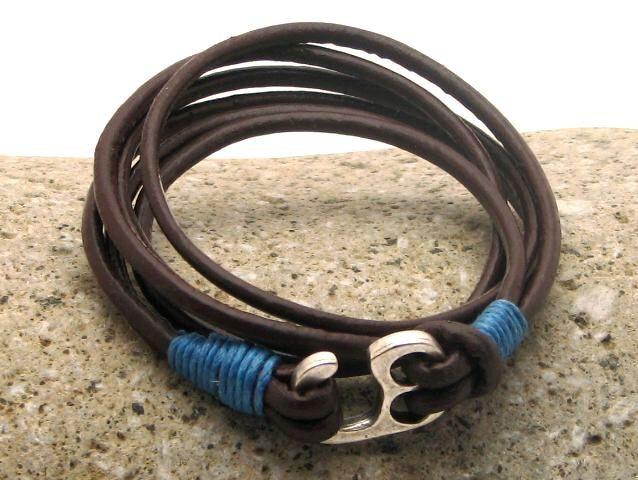 FREE SHIPPING Men's leather bracelet . Leather bracelets. Men accessories. Brown leather men's bracelet with silver plated little hook clasp door eliziatelye op Etsy https://www.etsy.com/nl/listing/231905142/free-shipping-mens-leather-bracelet