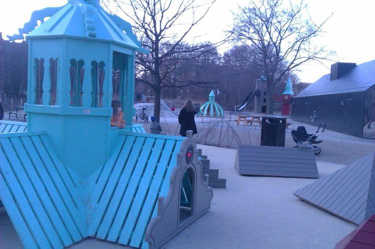 Den Interaktive legeplads på Tårnlegepladsen. Leg elektronisk fangeleg over Børstagene.