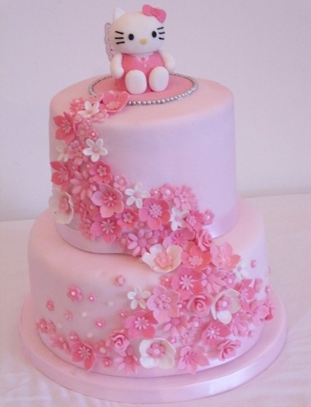 Hello kitty cake a pink hello kitty cake spectacular - Cuisine hello kitty ecoiffier ...