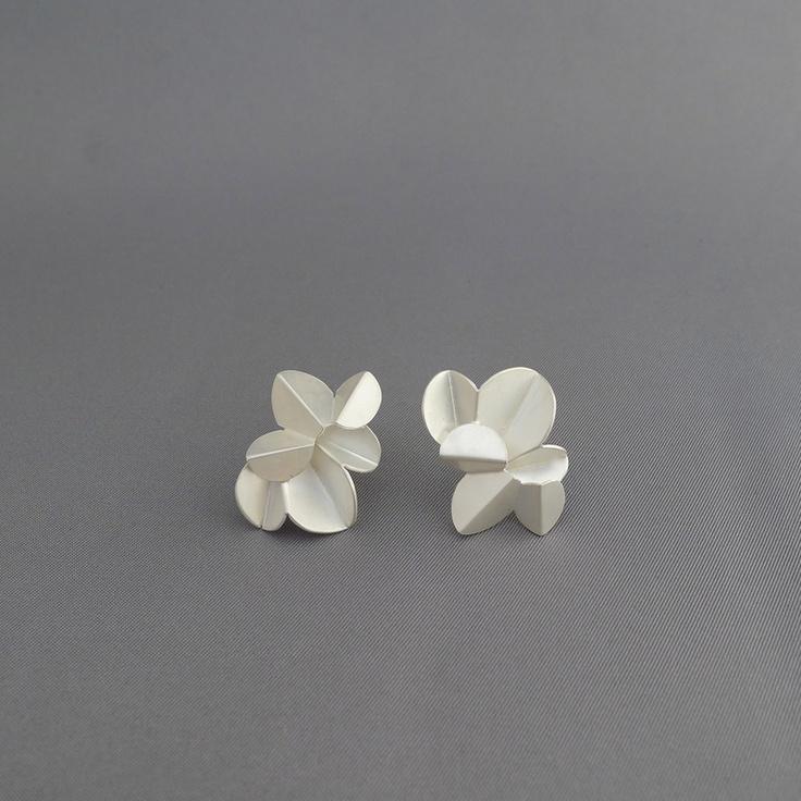 paper & scissors - Kaja Gjedebo Jewelry Design www.kgd.no