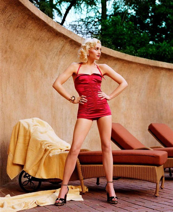Gwen Stefani-Vogue 2004