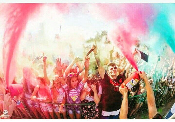 Хорошего дня друзья,  подписчики. и всем кто меня поддерживает.  #питер #rap #rasha_mc #москва #россия #рэп #2pac #тимати #russianmusicbox #рашидмамаев #музтв #music #blackstar #музыка #colorfest #timati #timatiofficial #радио #radio #hiphop #хипхоп #тв #moscow #кино #blackstarmafia #шоубизнес #баста #красота #аленашишкова #митро