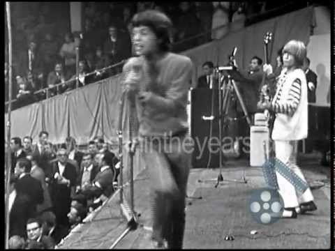 """▶ The Rolling Stones """"Satisfaction"""" Live 1965 (Reelin' In The Years Archives) - YouTube"""